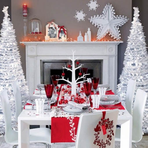 Christmas-dinner-table-minimalist-decor
